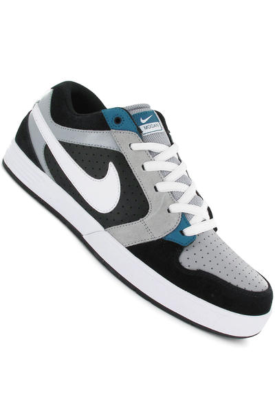 Nike Mogan 3 Schuh (black white green)