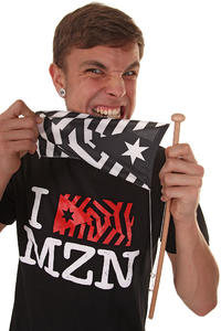 Mazine I Flag Mazine T-Shirt (black)
