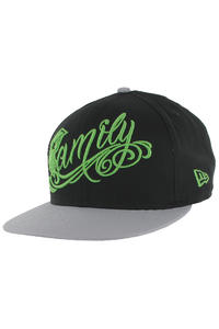 Famous Family Snapback Cap (black grey lime)