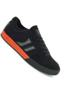 Globe Lift Shoe (black orange)